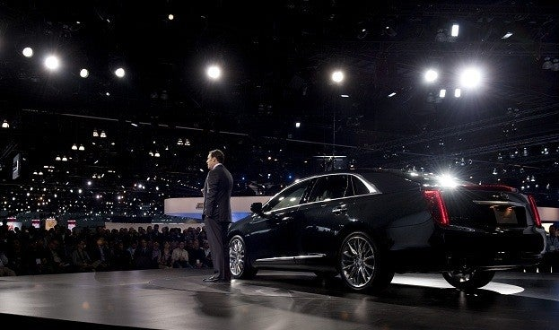 2013 Cadillac XTS Revealed at 2011 Los Angeles Auto Show