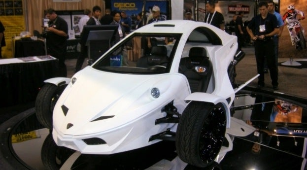 Tanom Invader TC-3 at SEMA 2011