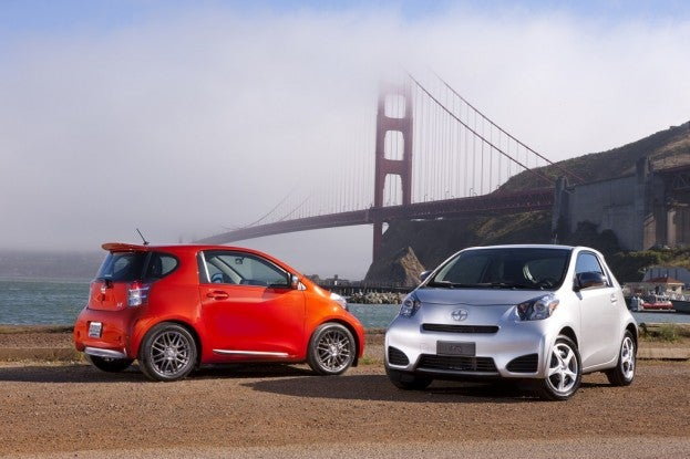 2012_Scion_IQ_031