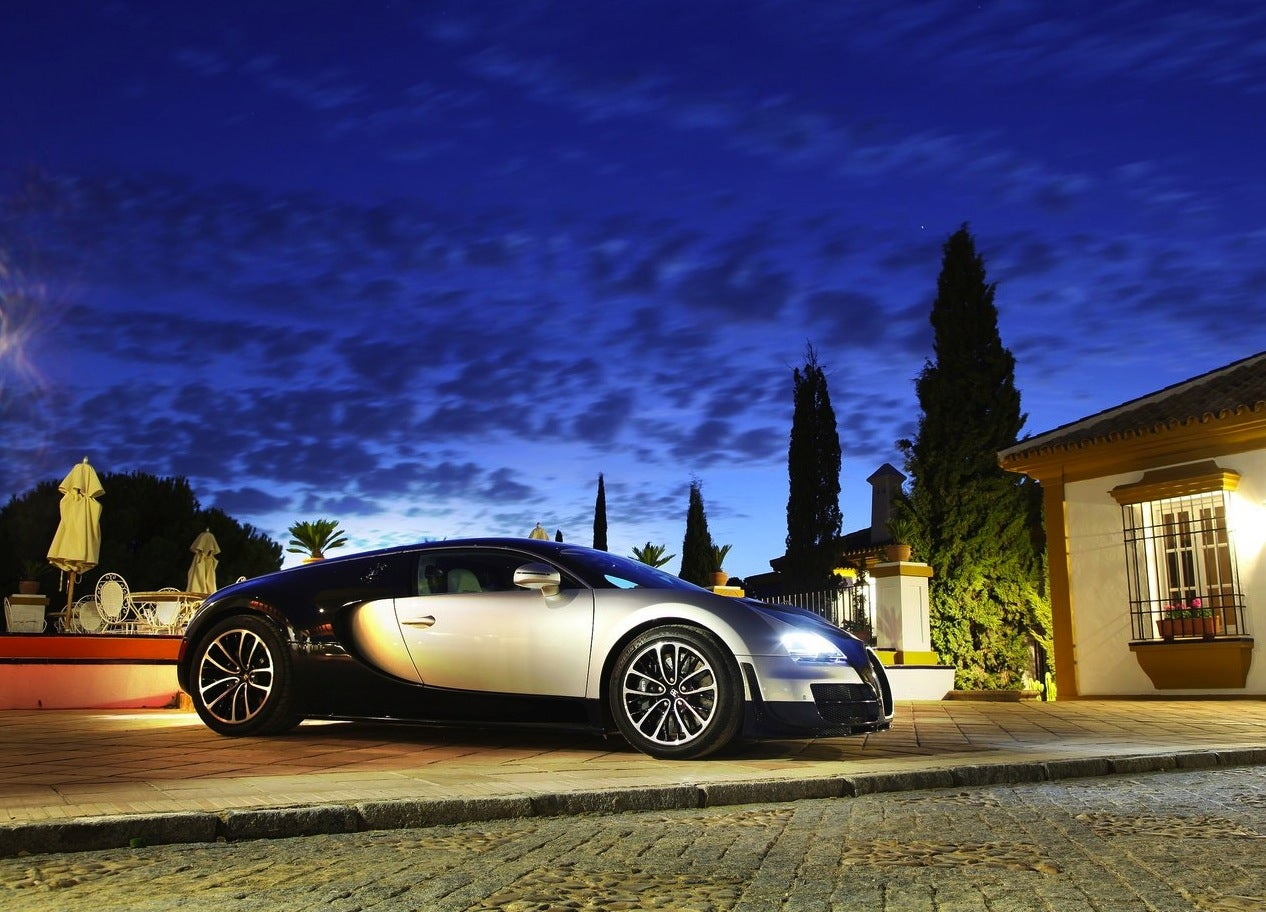 Bugatti-Veyron_Super_Sport_2011_1280x960_wallpaper_24
