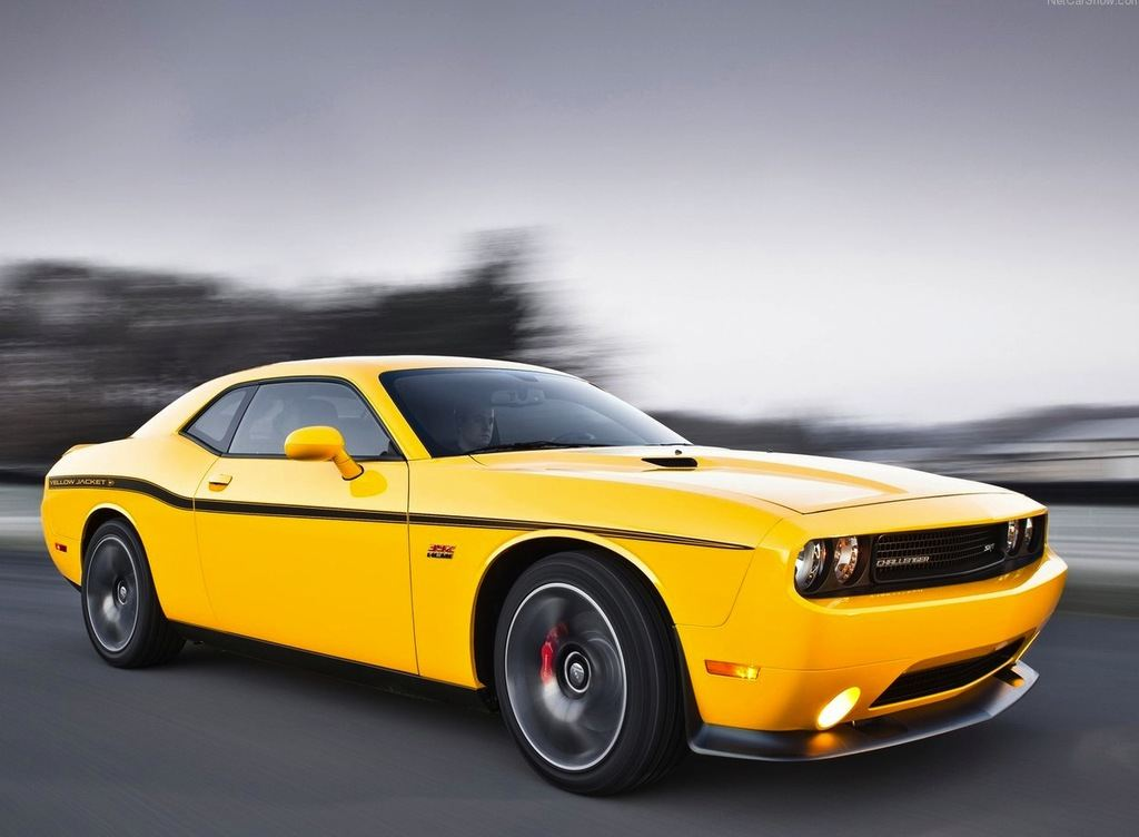 Dodge-Challenger_SRT8_392_Yellow_Jacket_2012_1280x960_wallpaper_02