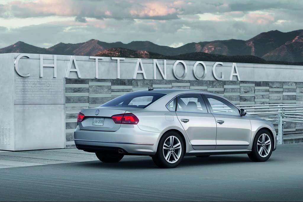 2012-VW-Passat-rear