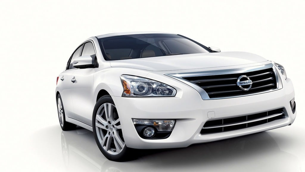 2013 nissan altima has sights on toyota camry development referenced hyundai sonata. Black Bedroom Furniture Sets. Home Design Ideas
