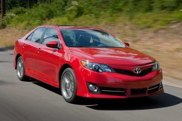 2012 toyota camry se sport tuned and ready to rock. Black Bedroom Furniture Sets. Home Design Ideas