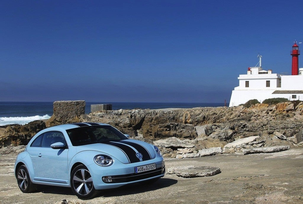 Volkswagen-Beetle_2012_1280x960_wallpaper_1b