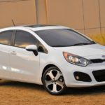 2012-Kia-Rio-hatchback-front-three-quarter
