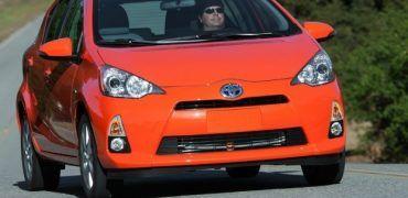 2012 Toyota Prius c front