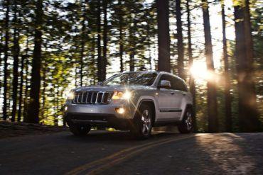 Jeep Grand Cherokee 2011 1280x960 wallpaper 0b
