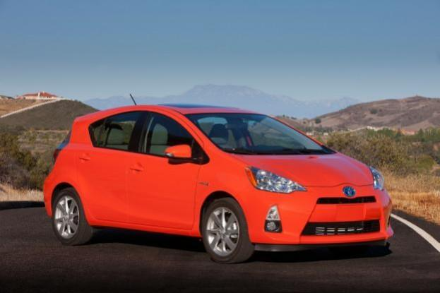 2012 toyota prius c four review. Black Bedroom Furniture Sets. Home Design Ideas