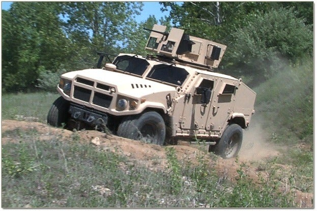 Three JLTVs Contend for US Military Humvee Replacement Duties 16
