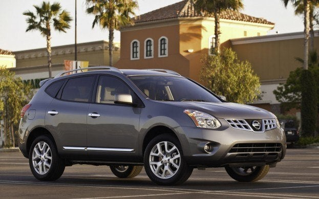 2013 nissan rogue sv awd review. Black Bedroom Furniture Sets. Home Design Ideas