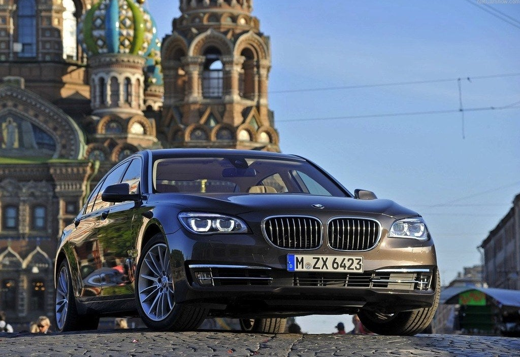 2013 BMW 760 Li Commemorates 25 Years of 12Cylinder Power