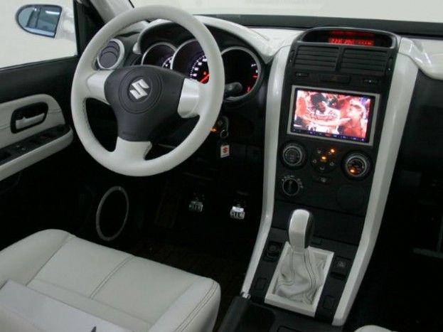 2012 Suzuki Grand Vitara interior