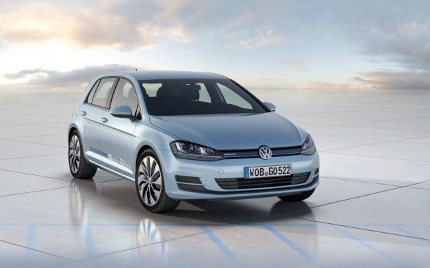 Volkswagen Golf Bluemotion front three quarter view 1024x640