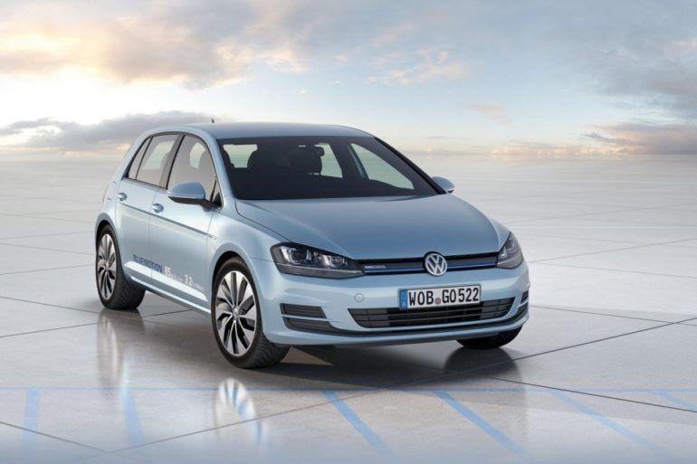 Volkswagen Golf Bluemotion front three quarter view 1024x640