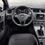 Volkswagen Golf Bluemotion interior view 1024x640