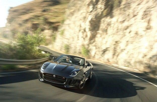 Jaguar F-Typr V8 driving