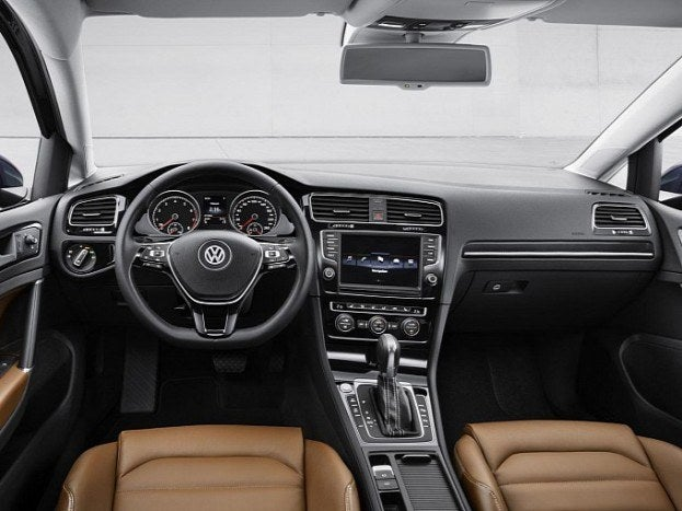 volkswagen-golf-vii-fully-revealed-in-new-leaked-photos-image-gallery-medium_10