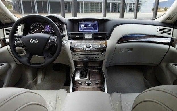 2013 Infiniti M35h interior