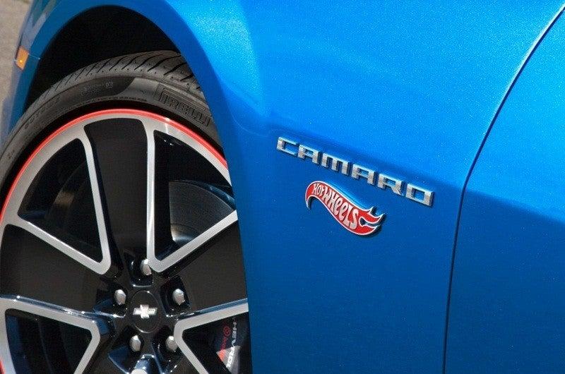 Chevy Camaro Hot Wheels Edition fender