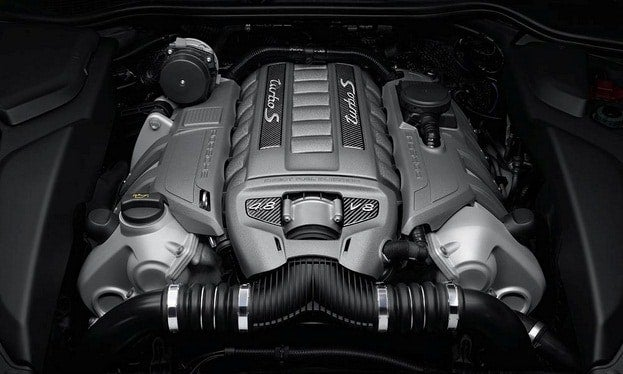 Porsche Cayenne Turbo S engine