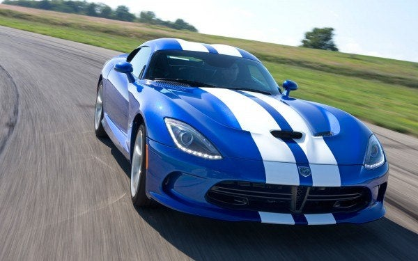 2013 SRT Viper GTS blue front view in corner1