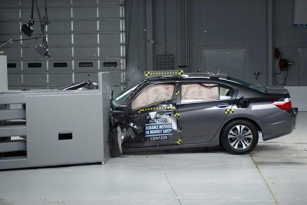 2013HondaAccord2in20IIHS20smallover20frontalcrashtest