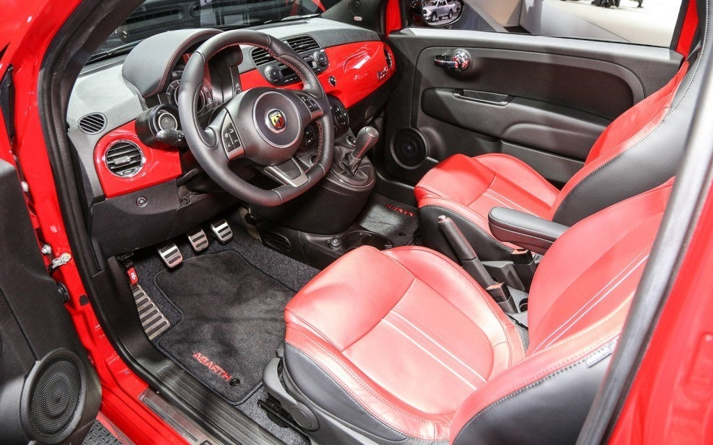 how to clean the interior of my fiat 500l