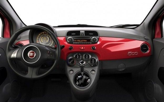 2013_Fiat_500_dahboard
