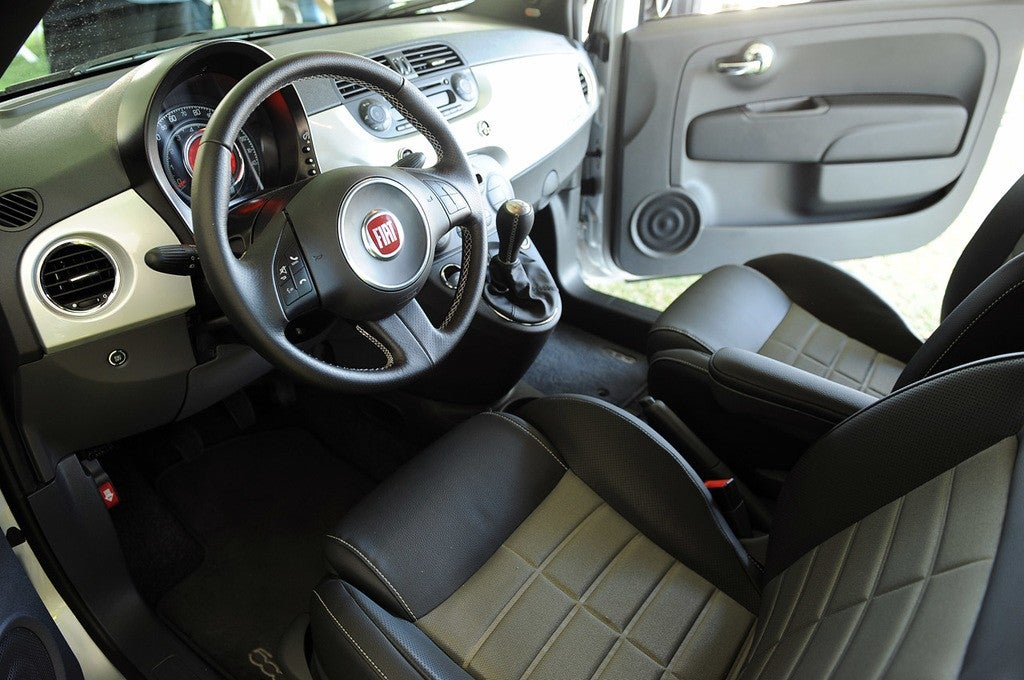 2013 fiat 500 for Fiat 500 x interieur