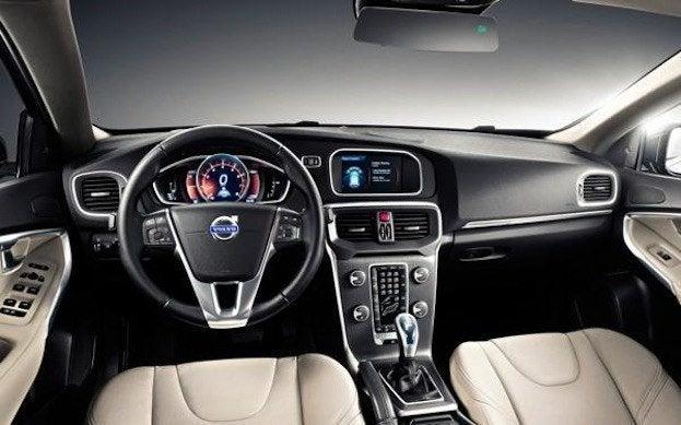 Volvo S60 T5 interior
