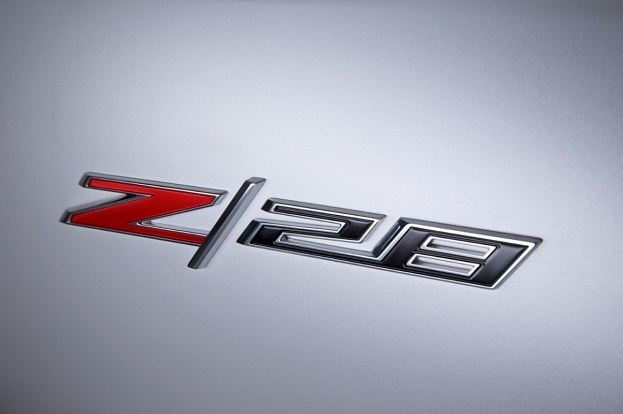 2014-Chevrolet-CamaroZ28-009-medium