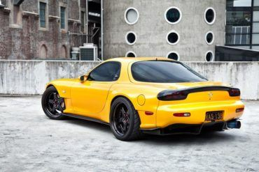 HD Yellow RX7 Wallpaper Screensavers