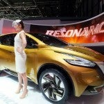 Nissan Resonance 1
