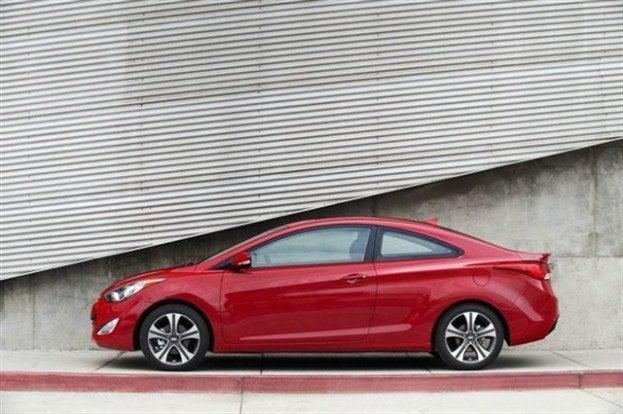 2013 Hyundai Elantra Coupe side