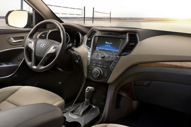 2013 Hyundai Santa Fe interior