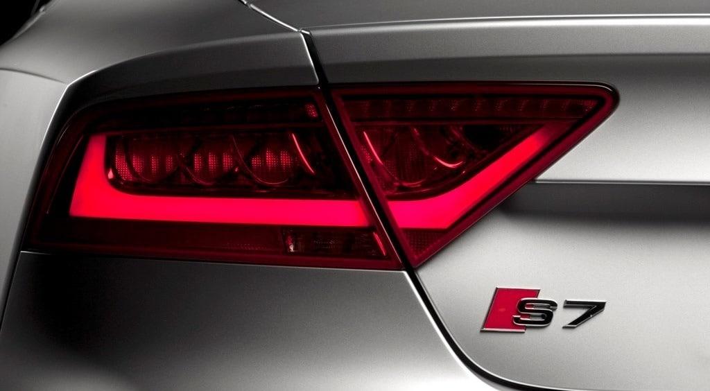 Audi S7 tail