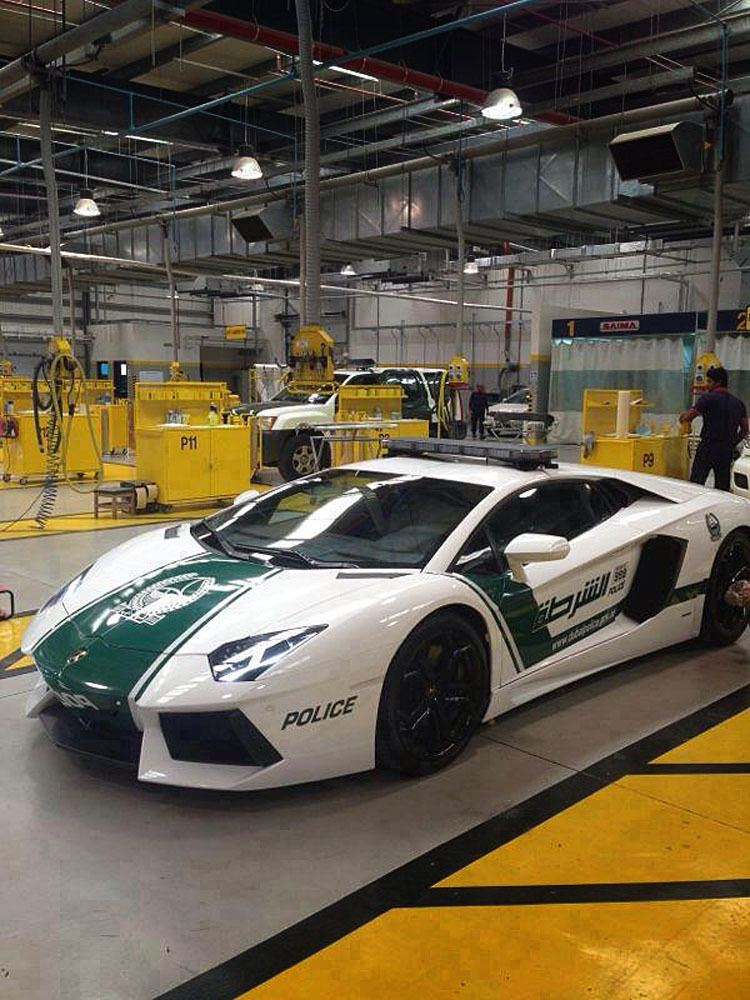 Dubai Police Get A Lamborghini Aventador They Kind Of