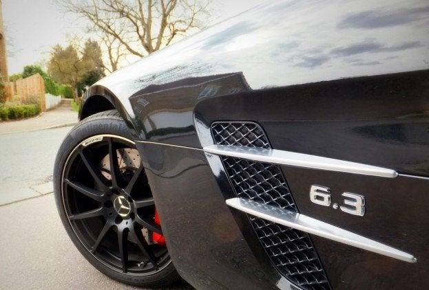Mercedes SLS AMG Roadster front fender