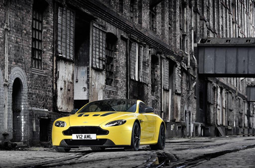 Aston Martin V12 Vantage S 130680 ASM00265