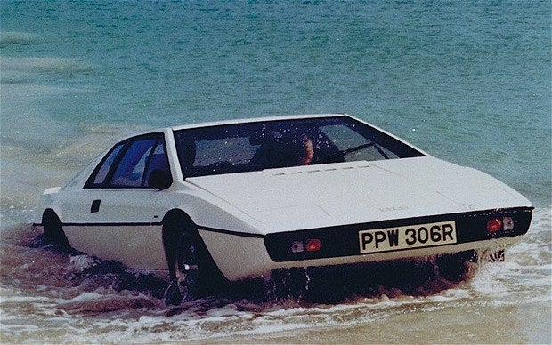 james bond 39 s lotus esprit submarine up for auction. Black Bedroom Furniture Sets. Home Design Ideas