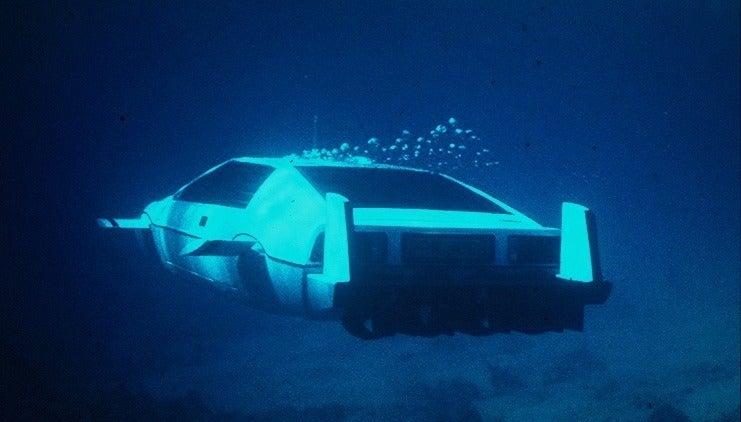 Underwater James Bond Lotus Espirit