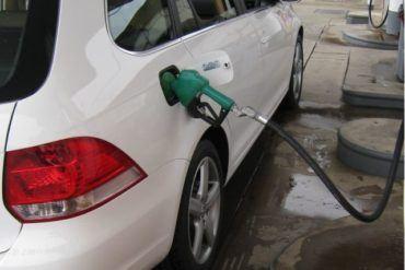 VW Jetta TDI filling up