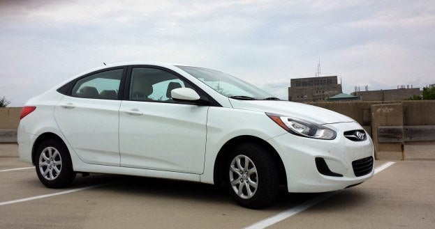 2013 hyundai accent review the epitome of dullsville. Black Bedroom Furniture Sets. Home Design Ideas
