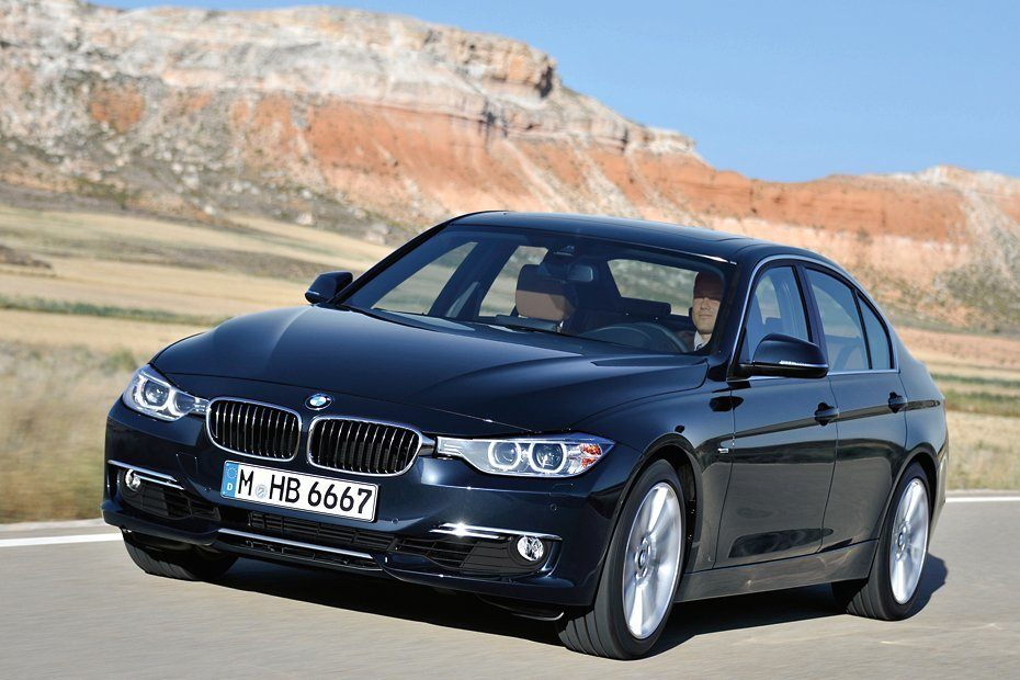 2012 BMW 3-Series sedan photo on Automoblog.net