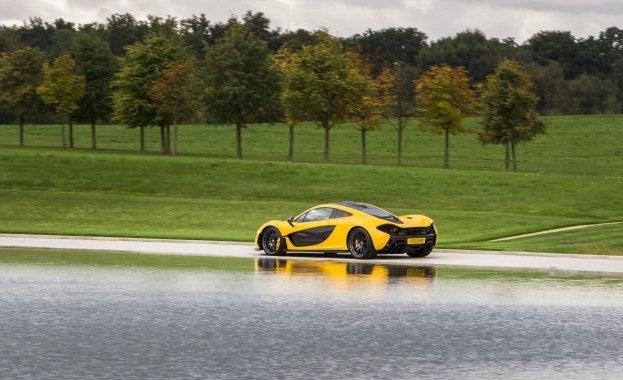 McLaren P1 driving