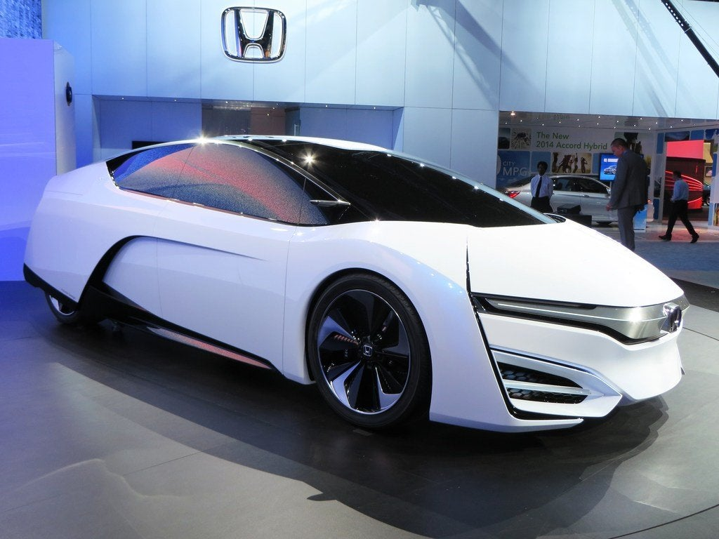 Honda FCEV Concept Front Quarter R