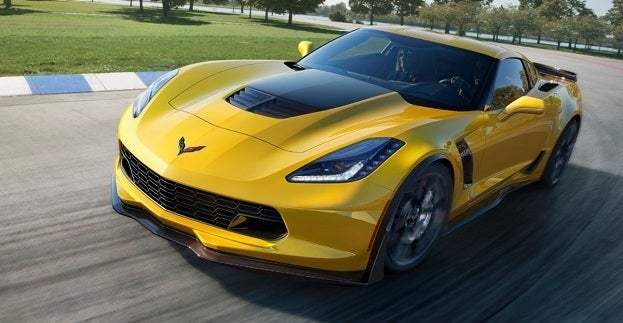 2015 Chevrolet CorvetteZ06 003 medium - The 2015 Chevrolet Corvette Z06 Drops on Detroit
