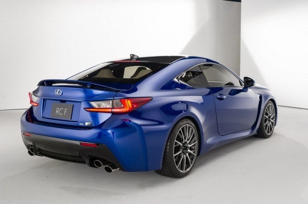 Lexus RC F coupe, retractable rear spoiler
