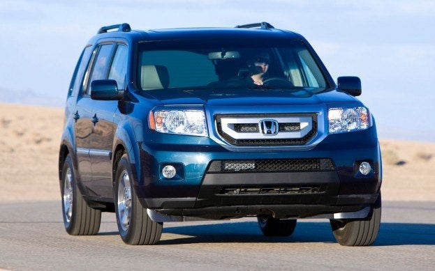 2014 Honda Pilot on the road